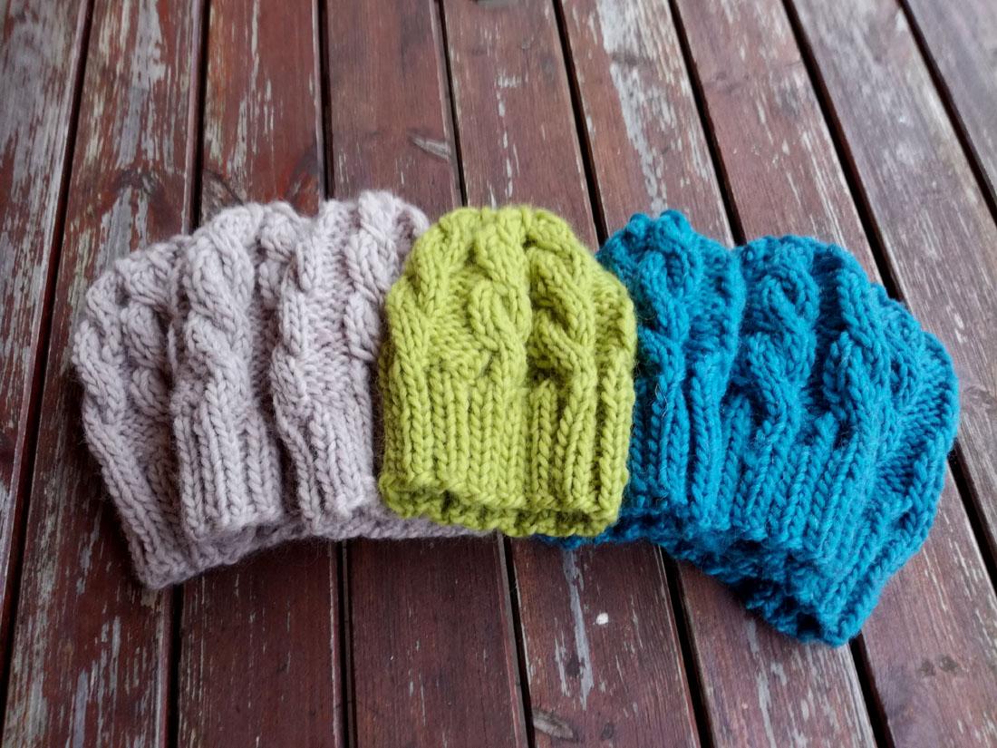 Cappelli di lana con trecce