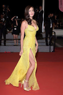 Irina+Shayk+Gets+Naughty+Exposing+her+full+boobs+at+the+Premiere+of+Hikari+at+Cannes+002.jpg