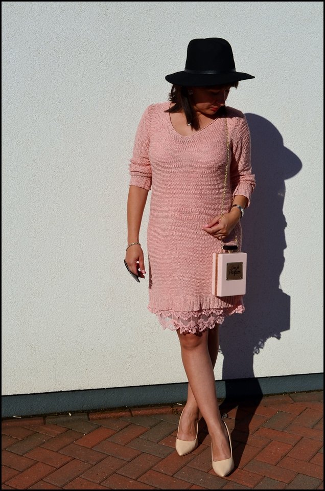 Adriana Style, Blog modowy, blog modowy Puławy, bonprix dress, bonprix sklep on-line, Fashion Blog, Hat, Kapelusz, moda, next bag, pink outfit, Styl, Stylizacja, Sukienka z dzianiny, torebka next