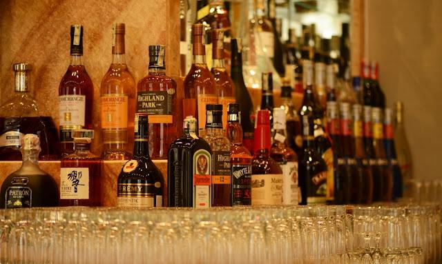 Đầy đủ các loại rượu cho du khách lựa chọn - The Grand Ho Tram