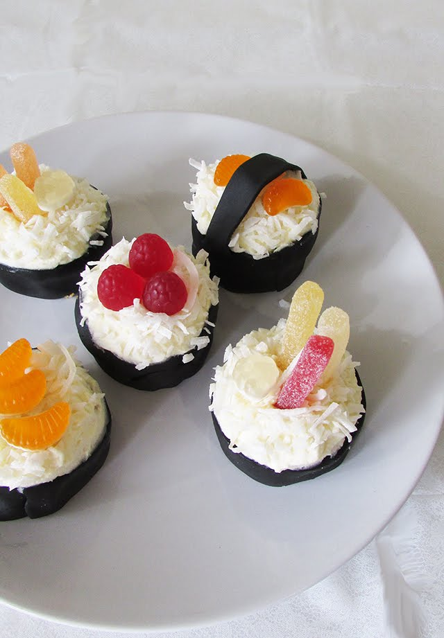 Sushi Cupcakes for International Sushi Day || The Small Adventurer