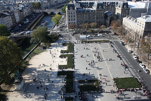 By Sudharsan.Narayanan (Notre Dame  Uploaded by Paris 17) [CC BY 2.0 (http://creativecommons.org/licenses/by/2.0)], via Wikimedia Commons