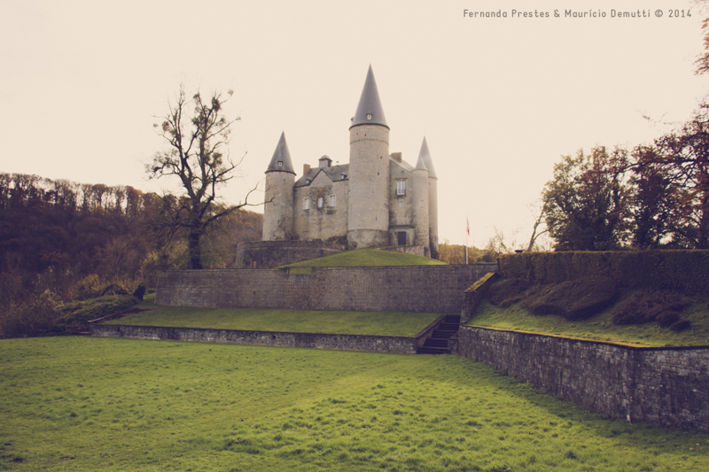 Castelo de Vêves na Bélgica