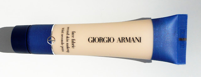 GIORGIO ARMANI Face Fabric Fondation - Second Skin - Review Photos Swatches