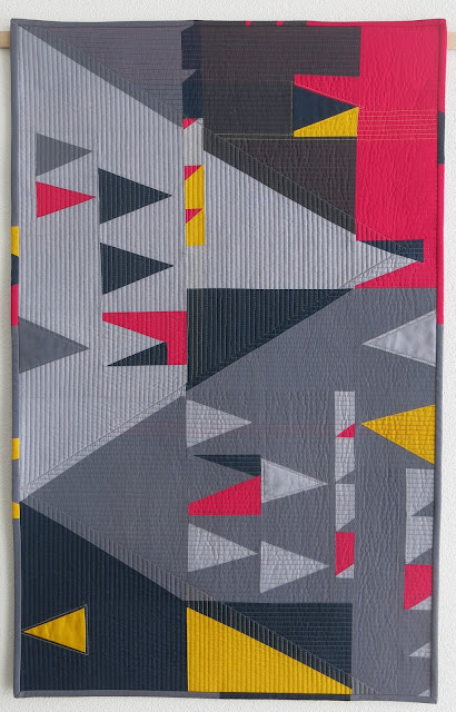 Luna Lovequilts - 'Double sens' - Improv triangles quilt - Score #6 in Sherri Lynn Wood book