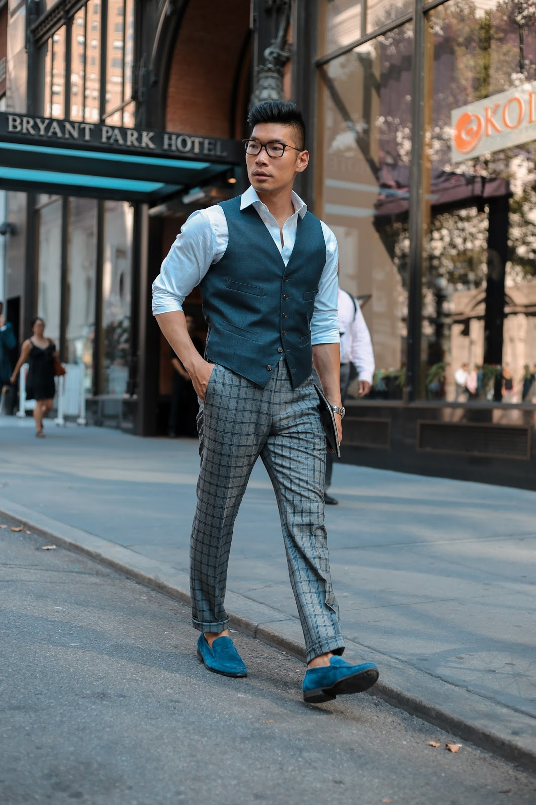 Men's Summer Style, How to Wear a Pattern Suit, Thom Browne Eyeglasses, Hugo Boss Bag
