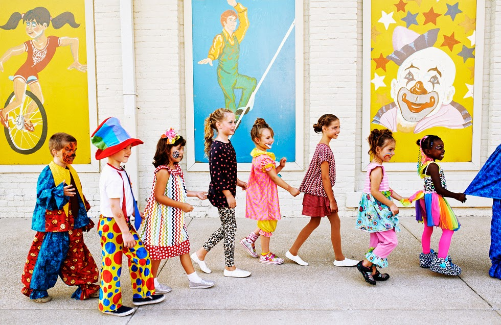 Girl Wallpaper For Kids Roll Up Roll Up The Fashion Circus Is Coming To Town