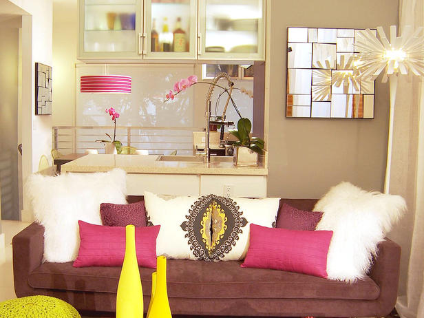Using Pillows To Bring Color Your Room Furniture Design
