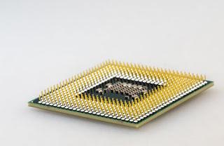 وحدة المعالجة المركزية فى جهاز الكمبيوتر