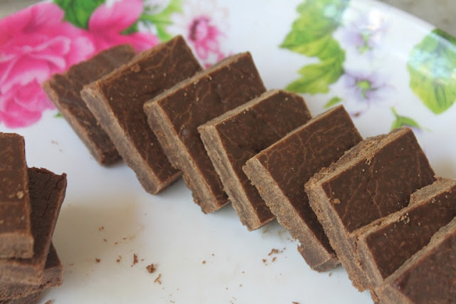 Chocolate Burfi Recipe With Maida
