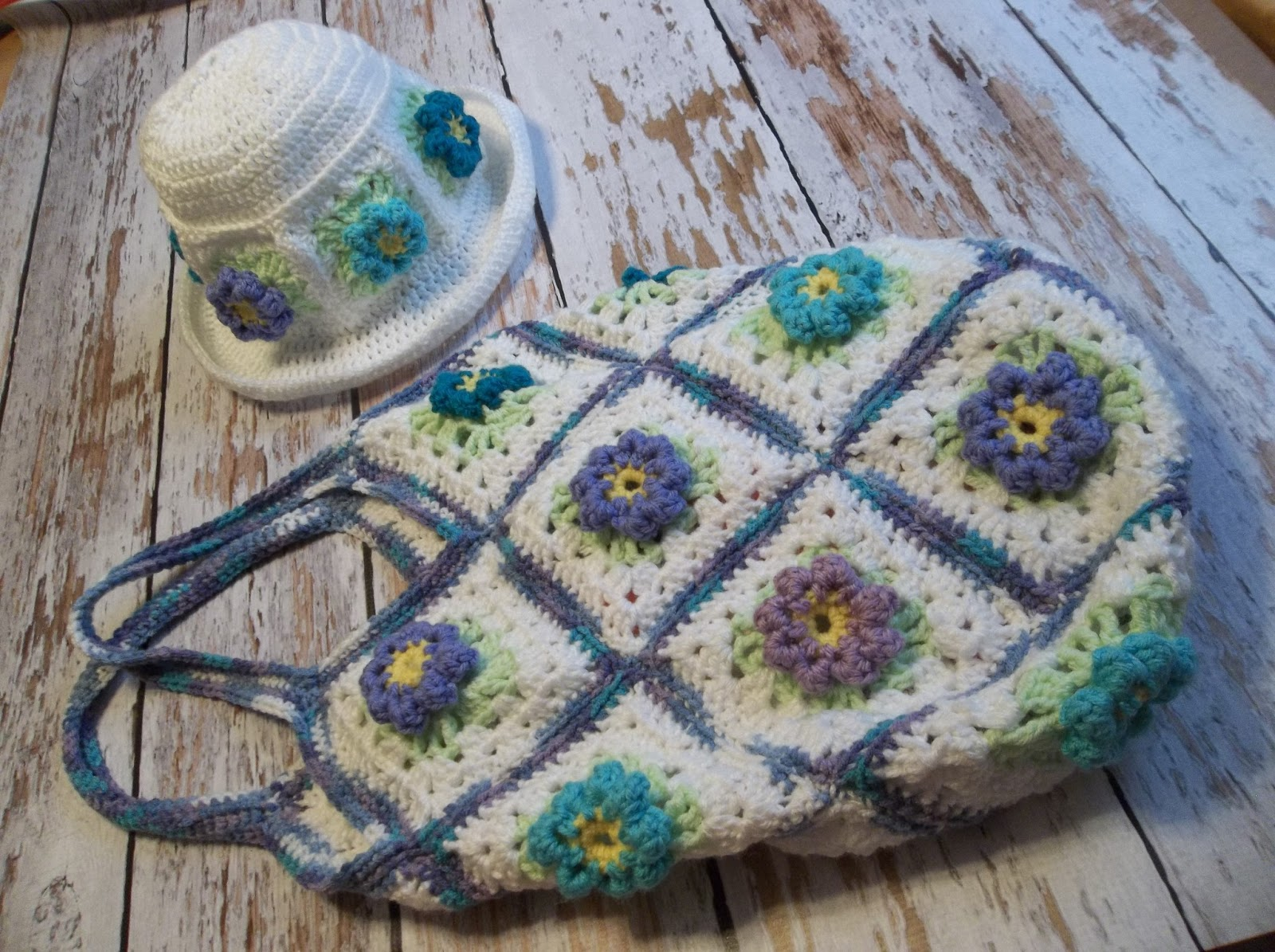 Creating Beautiful Things in Life: Spring Flower Granny Square ...