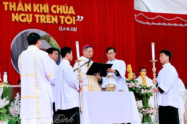 Thánh lễ truyền dầu tại giáo xứ Hải Nhuận
