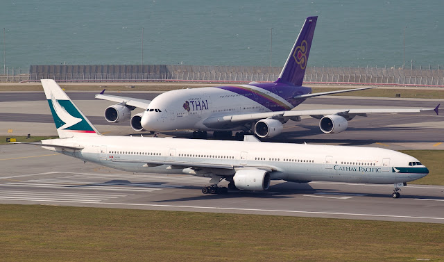 cathay pacific boeing 777-300 thai airways a380-800