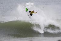 56 John John Florence rip curl pro portugal foto WSL Damien Poullenot