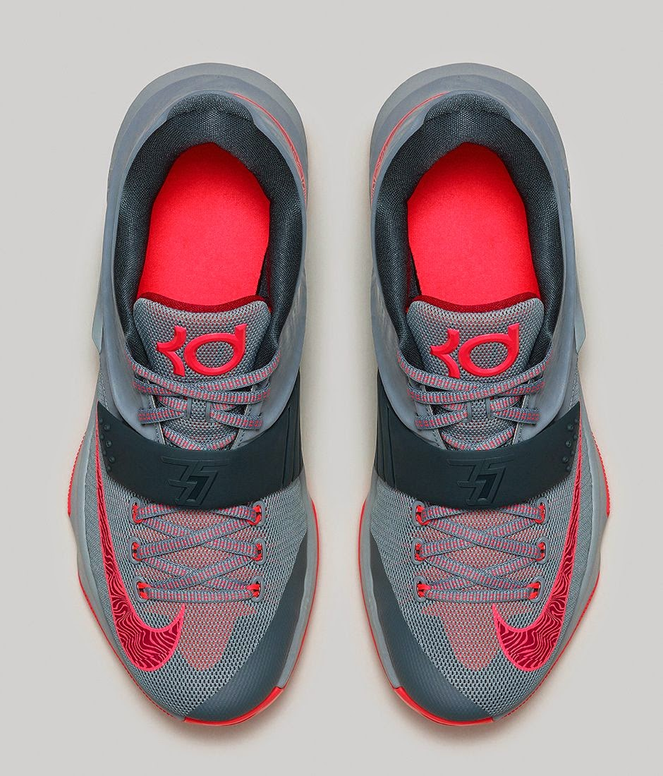 157a936958e4 CALM BEFORE THE STORM The grey and pink color way of this KD7 is indicative  of skies that appear tranquil before the onset of a powerful storm