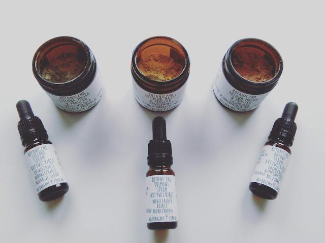 Botaniczne maski w proszku z serum aktywizującym