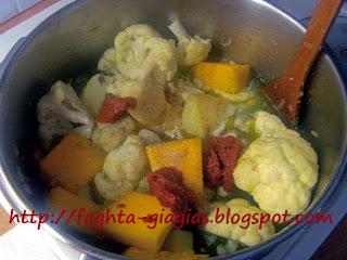 Κολοκύθα γιαχνί με κουνουπίδι και πατάτες - από «Τα φαγητά της γιαγιάς»