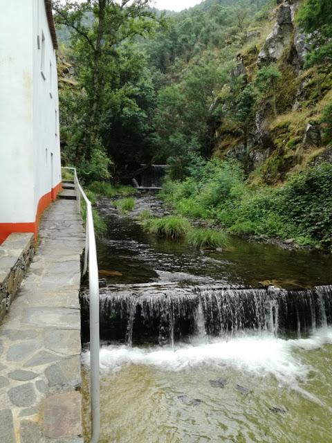 Cascata de água da Ribeira de São João