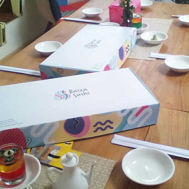sushi halal dan sehat dalam box di baiza sushi