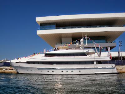 first mate motor yacht 115 ft