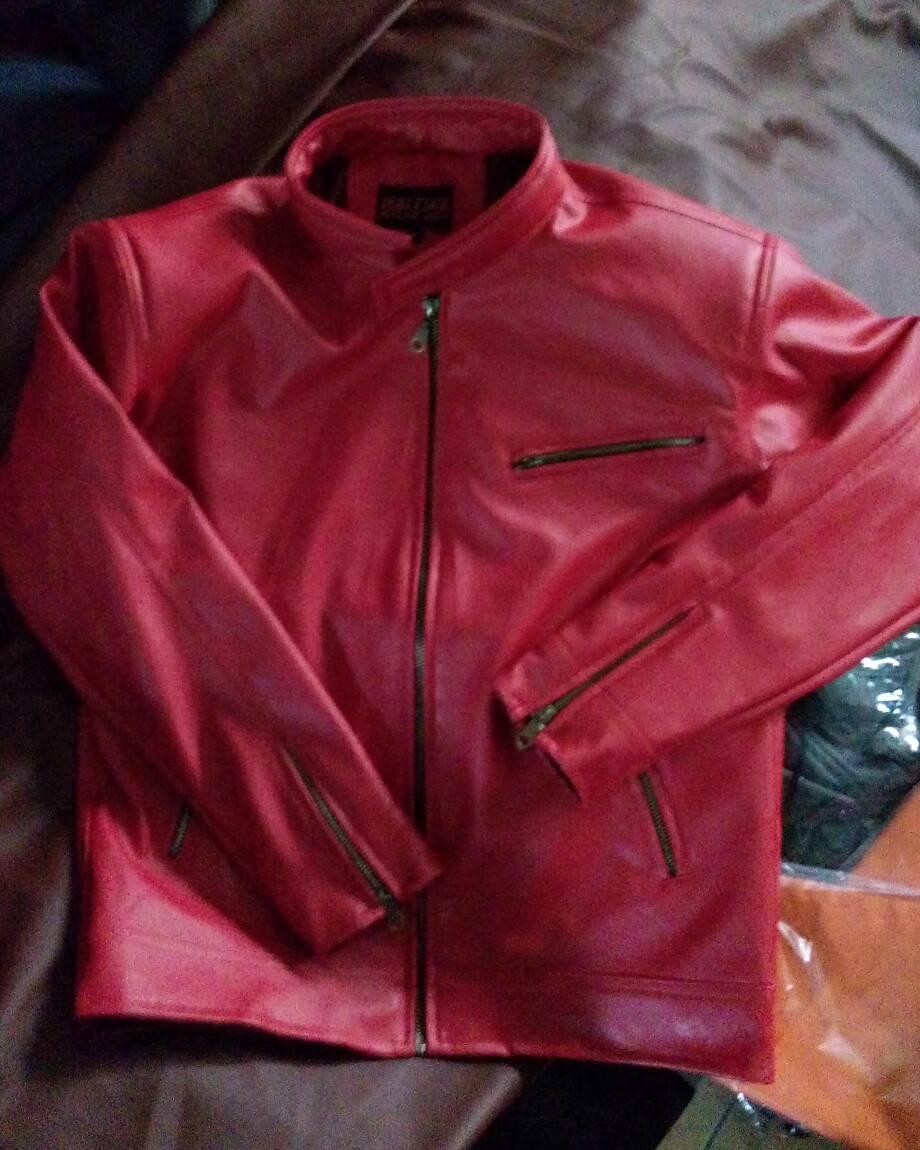 jaket merah si boy