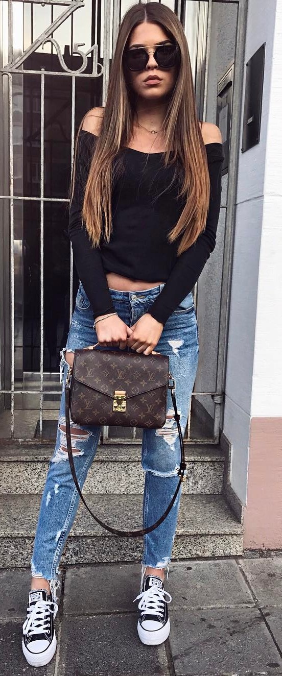 perfect ootd: off shoulder top + rips + bag