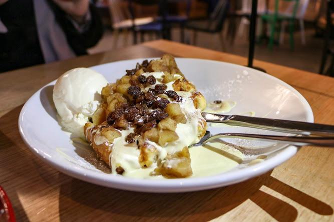 Bay Vista Apple Crumble Waffle