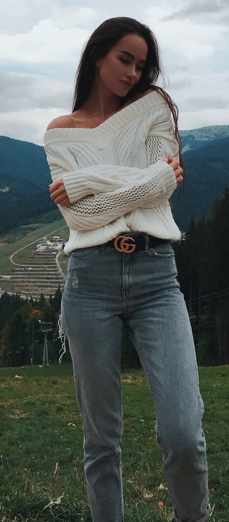 denim and knit / sweater + jeans