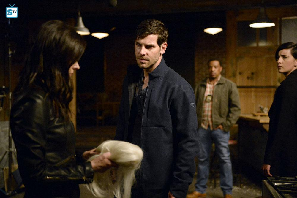 Grimm - Advance Preview + Teasers - Fugitive