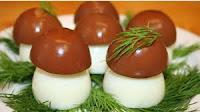 - яйцо - 6 шт; - филе индейки - 50 г; - морковь - 1 шт ; - рис - 50 г; - сметана - 3 ст .л; - чайная заварка - 0,5 л;