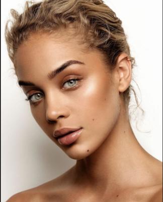 ury Makeup - (Model Golden Barbie`s Beach Look Makeup)