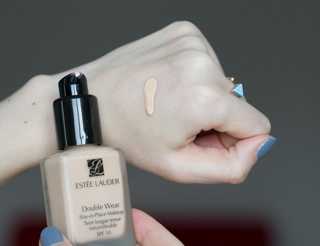 Estée Lauder Double Wear Foundation 1N1 Ivory Nude
