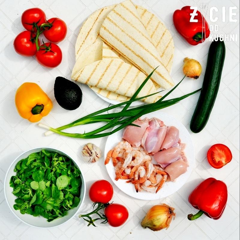 tortilla, wrap, skladniki na tortille, wrap z kurczakiem, tortilla z kurczakiem, zycie od kuchni, pomysl na obiad