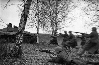 49 Foto-Foto Rusia dalam Perang Dunia II yang Legendaris