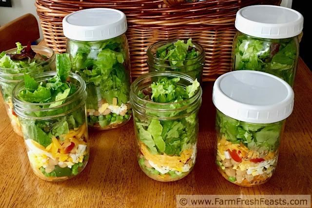 making a week's worth of salads in a jar