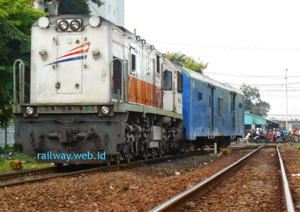 Harga Tiket Kereta Api Sri Tanjung Maret