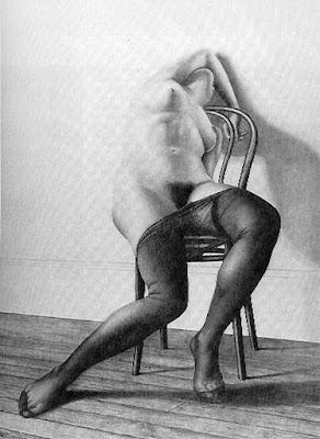 cuerpos-femeninos-desnudos-dibujos-blanco-negro
