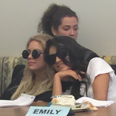 "PLL table read episode 7x11 ""Playtime"" Ashley Benson and Shay Mitchell Buttahbenzo sleeping"