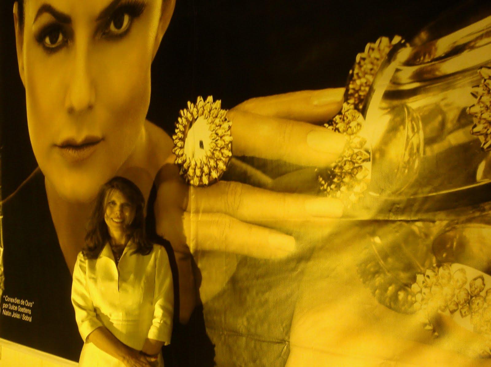 82a2d279d1b COQUETEL DE ABERTURA DA EXPOSIÇÃO DE JÓIAS AUDITIONS 2011 DESTACANDO A JÓIA  DA DESIGNER DULCE GOETTEMS !!!