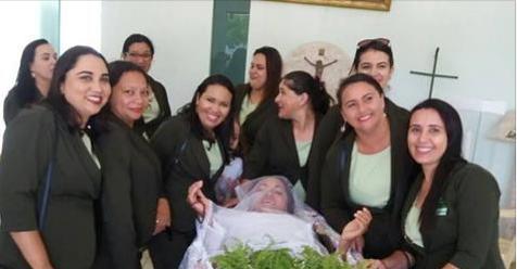 Mulher pede para ser velada viva e realiza sonho após 14 anos no estado do Ceará