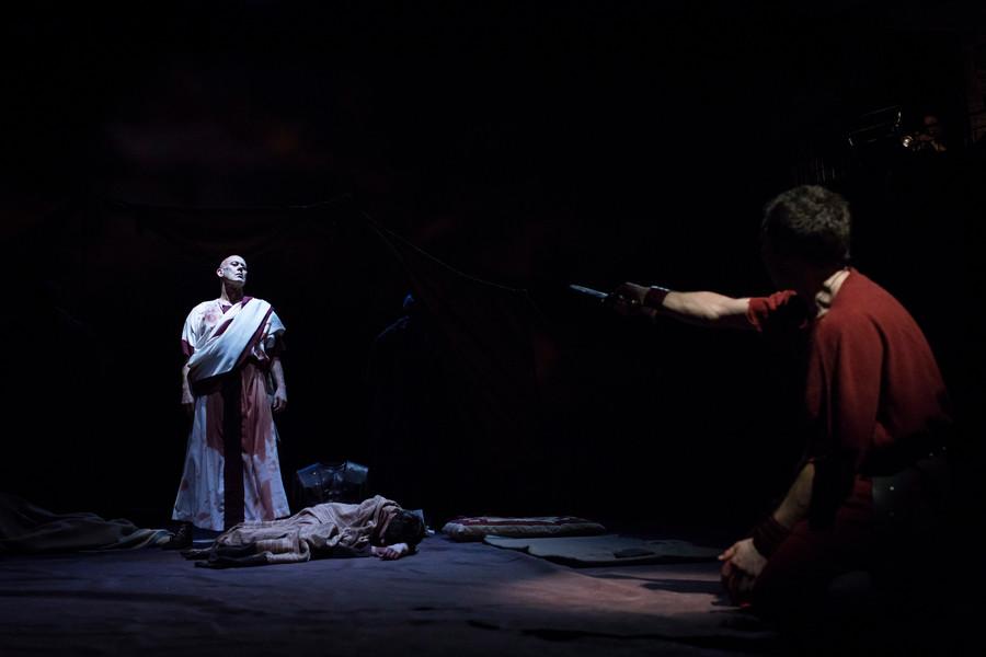 the justification of julius caesar's assassination Cicero justifying the assassination of julius caesar this selection from cicero 's on duties provides a justification for the assassination of julius caesar (44.