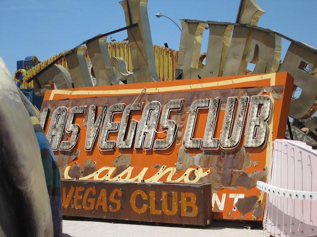 Las Vegas Club Vintage Neon Sign Neon Graveyard