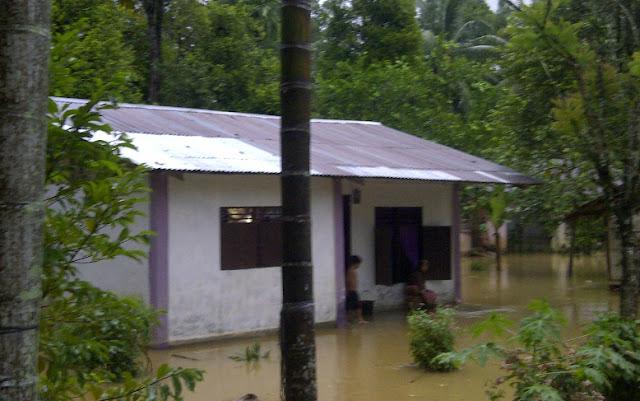 Banjir Genangi Jalan, Pemukiman Warga dan Lahan Sawah di Abdya