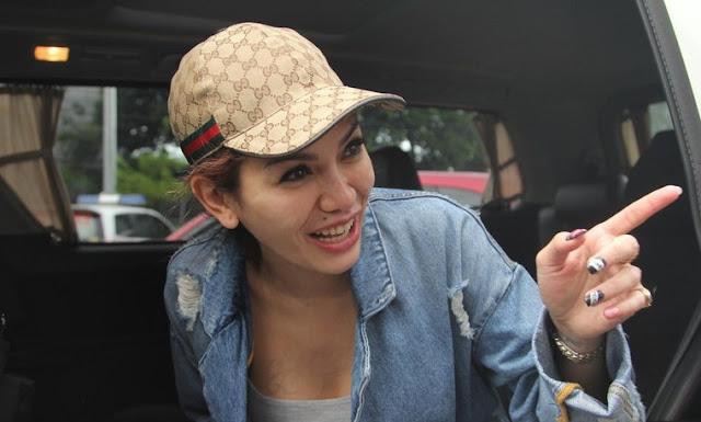 Julia Perez Kesal Nikita Mirzani Tak Kunjung Beri Maaf