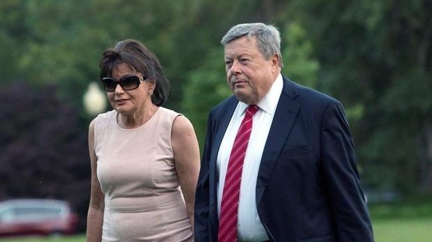 Melania Trump, Víctor y Amalija Knavs