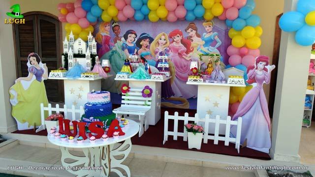 Decoração tema das Princesas(Disney) - Provençal simples - Festa de aniversário infantil na Barra-RJ