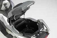 Honda X-ADV (2017) Storage Compartment