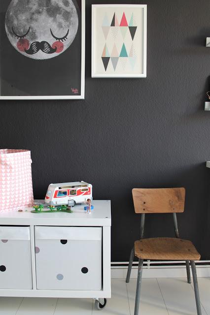 Habitación infantil en blanco y negro