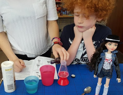 The Project MC2 Doll Science Experiment make a lava lamp