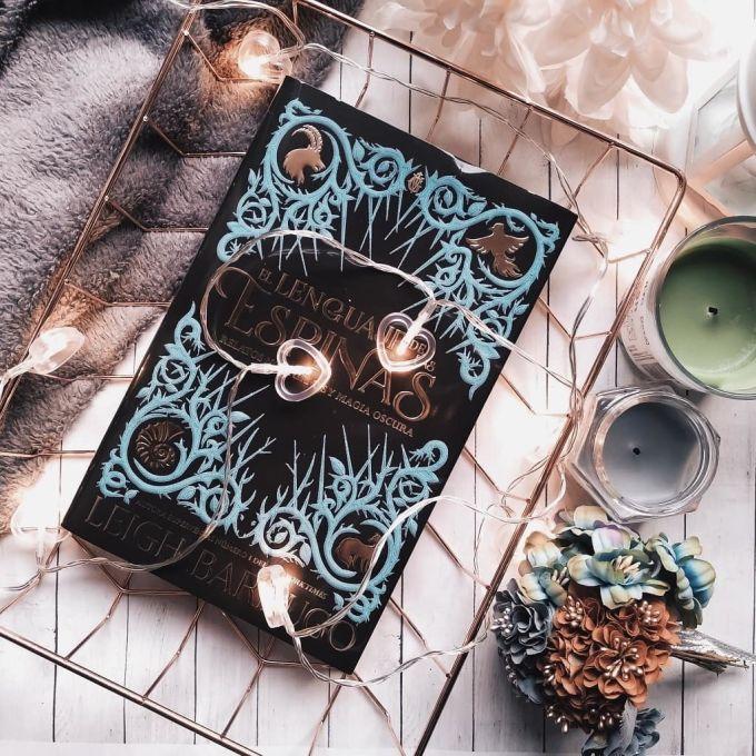 Foto del libro El lenguaje de las espinas de la autora Leigh Bardugo
